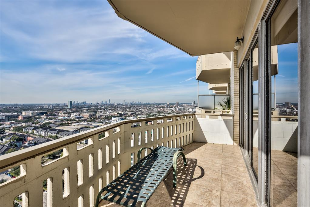 Off Market | 2016 Main Street #2404 Houston, Texas 77002 18