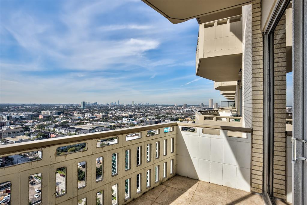 Off Market | 2016 Main Street #2404 Houston, Texas 77002 20