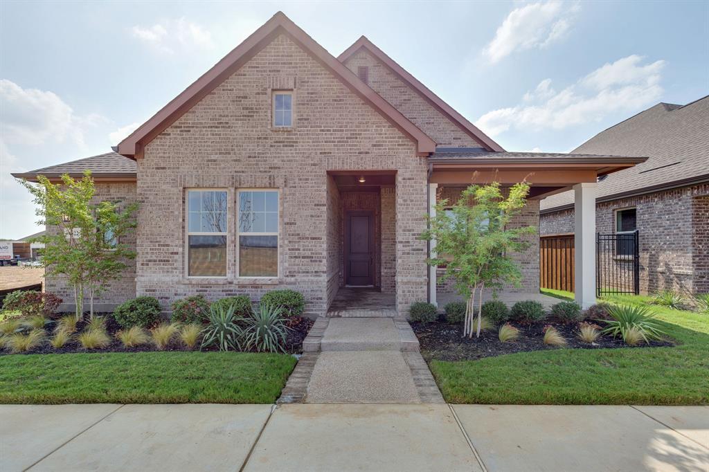Active | 4822 Blackwood Cross Lane Arlington, TX 76005 0