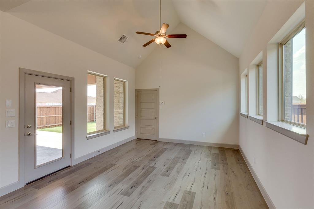 Sold Property | 4822 Blackwood Cross Lane Arlington, TX 76005 6