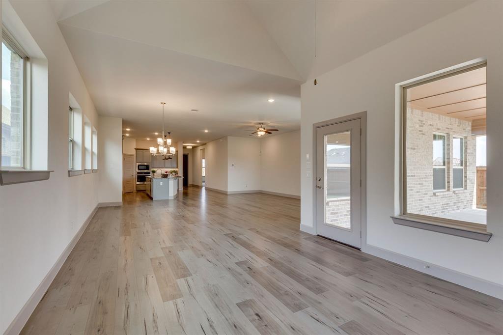 Sold Property | 4822 Blackwood Cross Lane Arlington, TX 76005 7