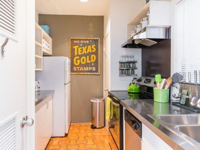 Sold Property | 1106 W 6th Street #105 Austin, TX 78703 4