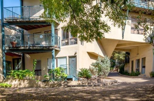 Sold Property | 1106 W 6th Street #105 Austin, TX 78703 9