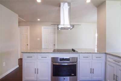 Sold Property | 1722 Michigan Avenue Dallas, Texas 75216 4