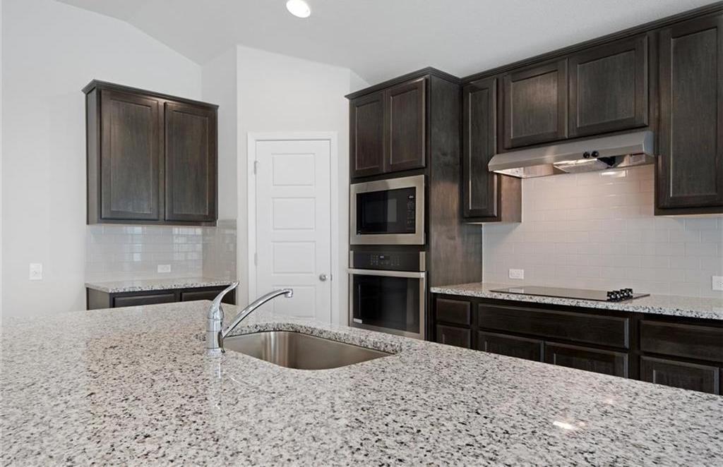 Sold Property   20709 Leaning Oak Drive Lago Vista, TX 78645 10