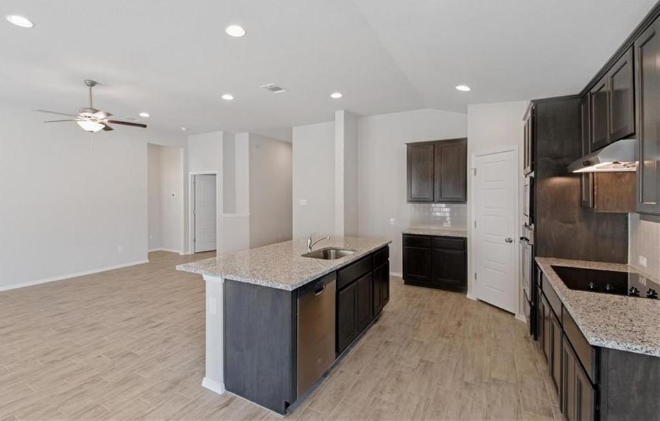 Sold Property   20709 Leaning Oak Drive Lago Vista, TX 78645 11