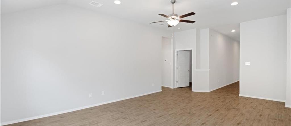 Sold Property   20709 Leaning Oak Drive Lago Vista, TX 78645 6