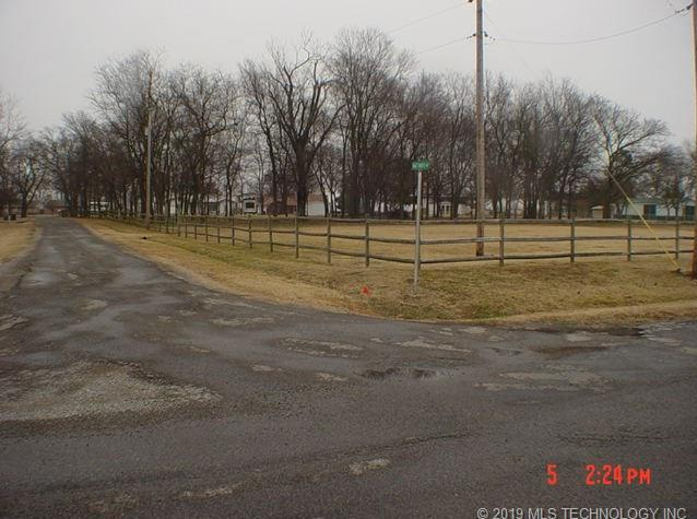 Off Market | 100 Gages Maple Rest Street Pryor, Oklahoma 74361 2