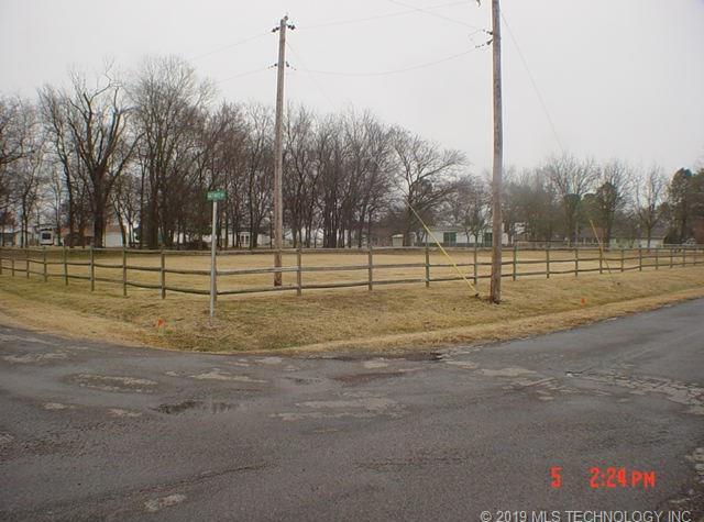 Off Market | 100 Gages Maple Rest Street Pryor, Oklahoma 74361 4