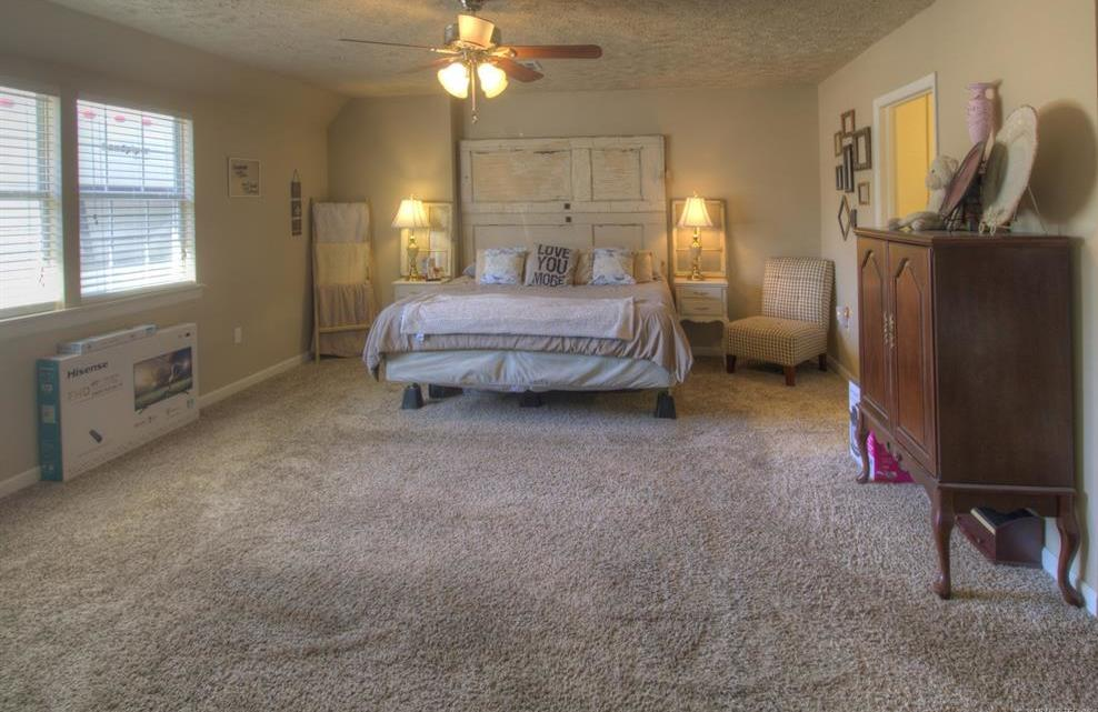 Off Market | 413 N Hogan Street Pryor, Oklahoma 74361 12