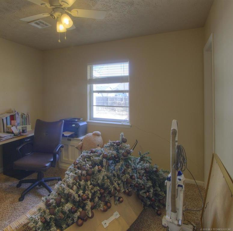 Off Market | 413 N Hogan Street Pryor, Oklahoma 74361 17