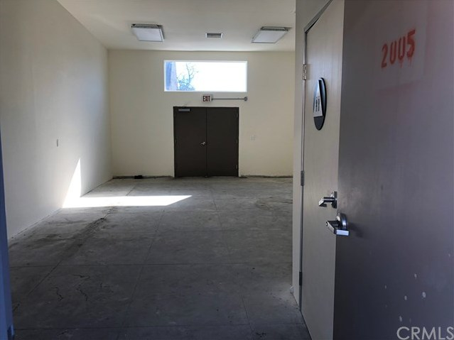 Closed | 2005 Hooper  Avenue Los Angeles, CA 90011 3