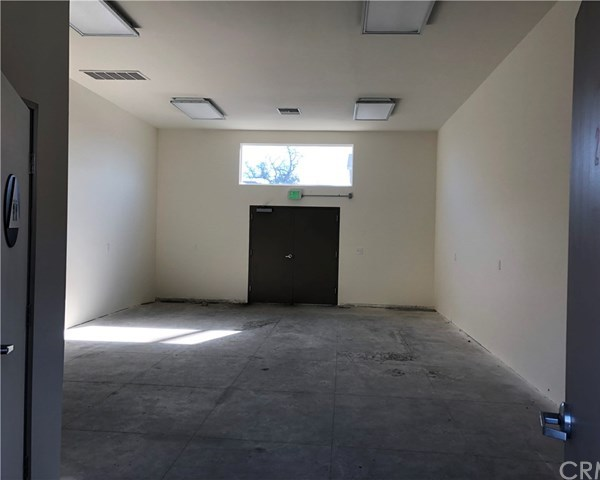 Closed | 2005 Hooper  Avenue Los Angeles, CA 90011 5