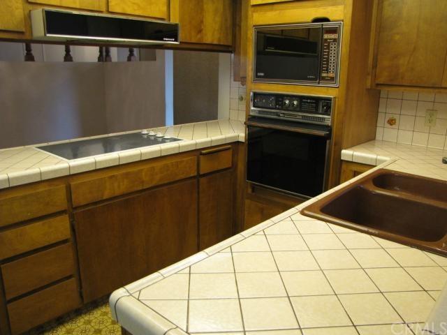 Closed | 8843 Mentone Place Riverside, CA 92503 11