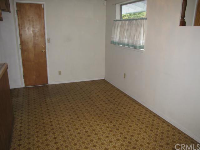 Closed | 8843 Mentone Place Riverside, CA 92503 14