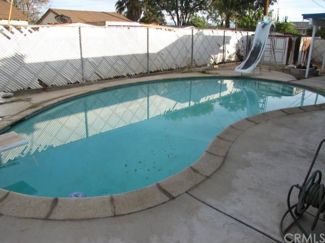 Closed | 8843 Mentone  Place Riverside, CA 92503 16
