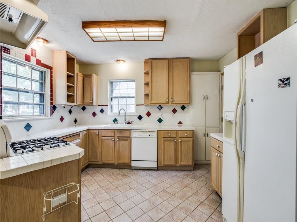 Sold Property   3718 Valley Ridge Road Dallas, Texas 75220 6