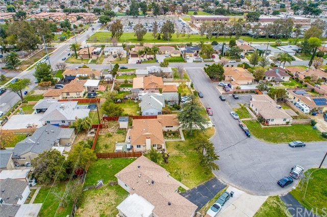 Closed | 17868 Owen St  Fontana, CA 92335 24