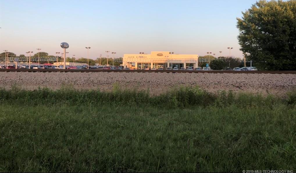 Off Market   747 S Moretz Avenue Claremore, Oklahoma 74017 3