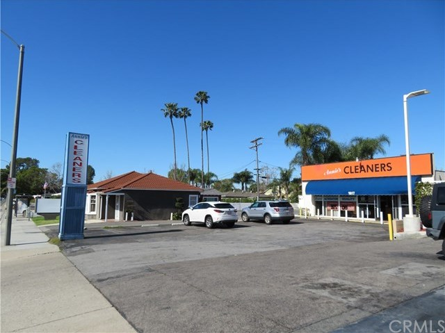 Active | 1617 E Chapman Avenue Orange, CA 92866 0