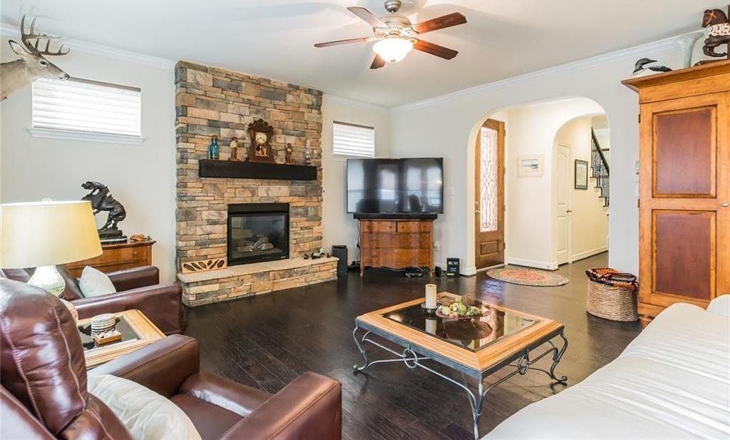Sold Property | 12216 Terraza Circle #TH14 Austin, TX 78726 3