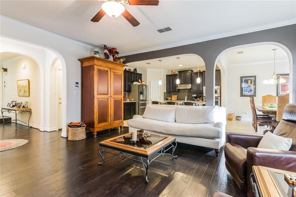 Sold Property | 12216 Terraza Circle #TH14 Austin, TX 78726 4