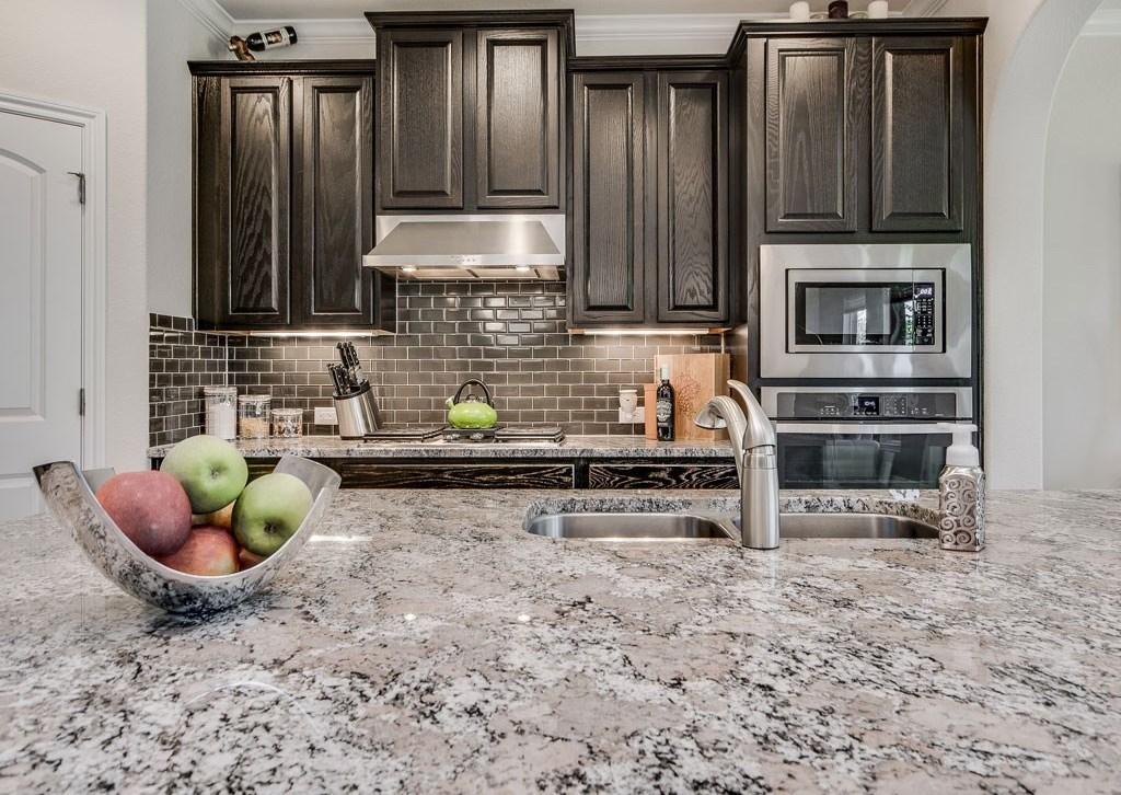 Sold Property | 12216 Terraza Circle #TH14 Austin, TX 78726 9