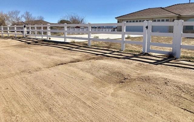 Closed   12961 Farmington Street Oak Hills, CA 92344 25