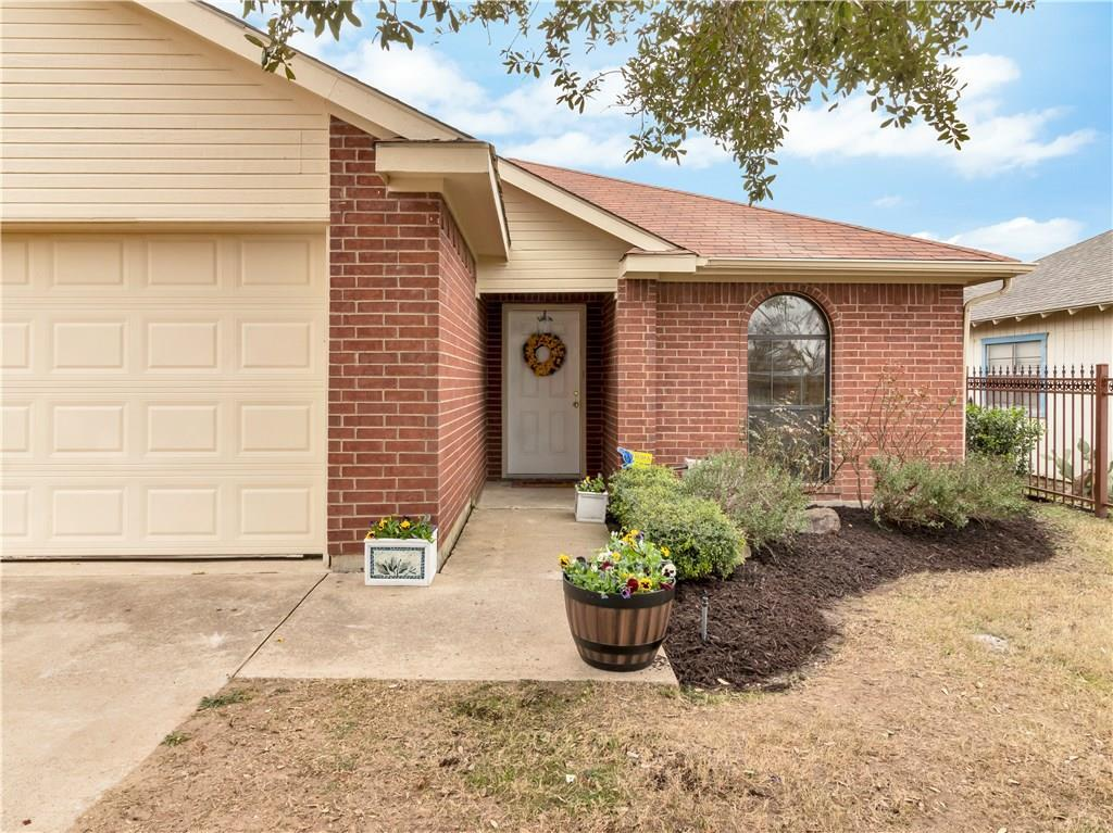 Sold Property | 2961 Roosevelt Avenue Fort Worth, Texas 76106 2