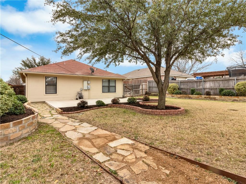 Sold Property | 2961 Roosevelt Avenue Fort Worth, Texas 76106 3