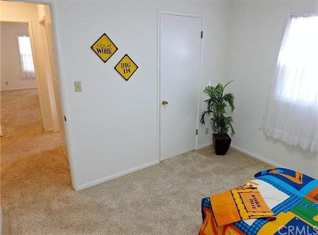 Closed   842 Lees Avenue Long Beach, CA 90815 26