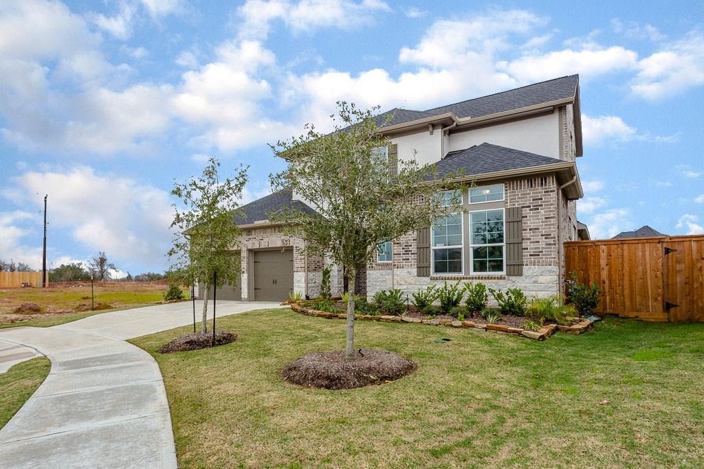 Active | 5942 Wedgewood Heights Way Houston, TX 77059 2