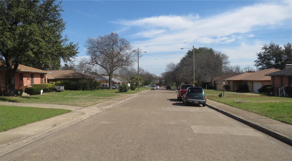 Sold Property | 928 Green Cove Lane Dallas, Texas 75232 11