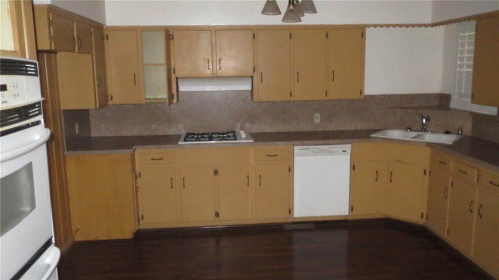Sold Property | 928 Green Cove Lane Dallas, Texas 75232 3