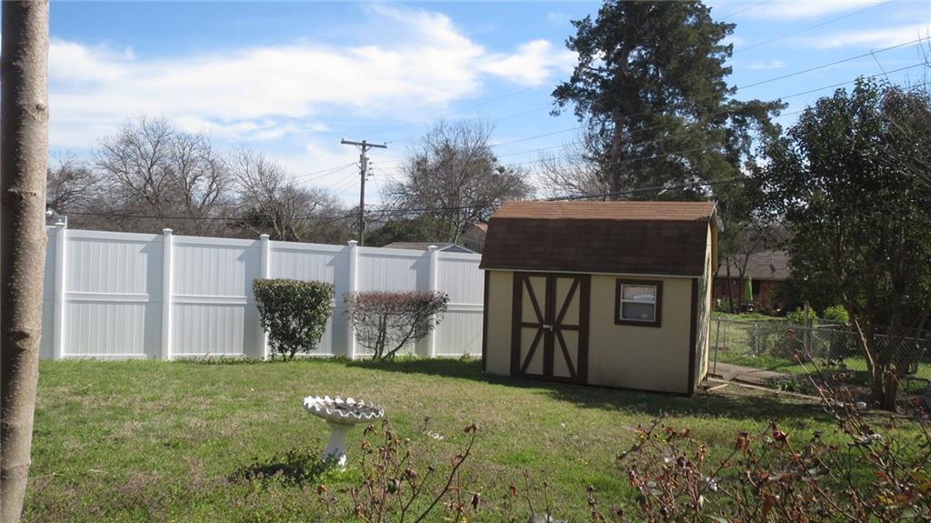 Sold Property | 928 Green Cove Lane Dallas, Texas 75232 4