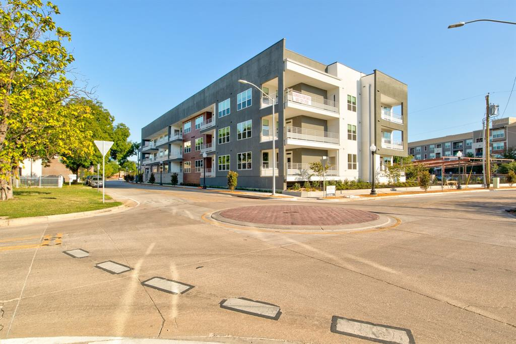 Active | 2721 Wingate Street #214 Fort Worth, TX 76107 5