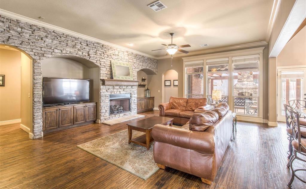 Off Market | 11250 S 72nd East Court Bixby, Oklahoma 74008 8