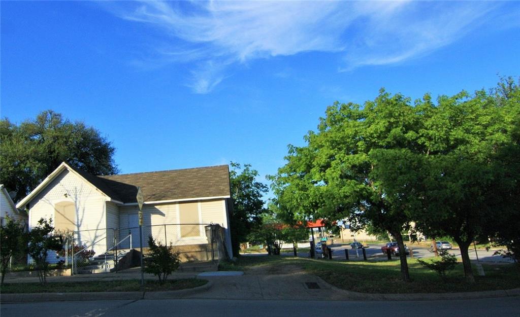 Temp Off Market   1302 N Calhoun Street Fort Worth, TX 76164 0