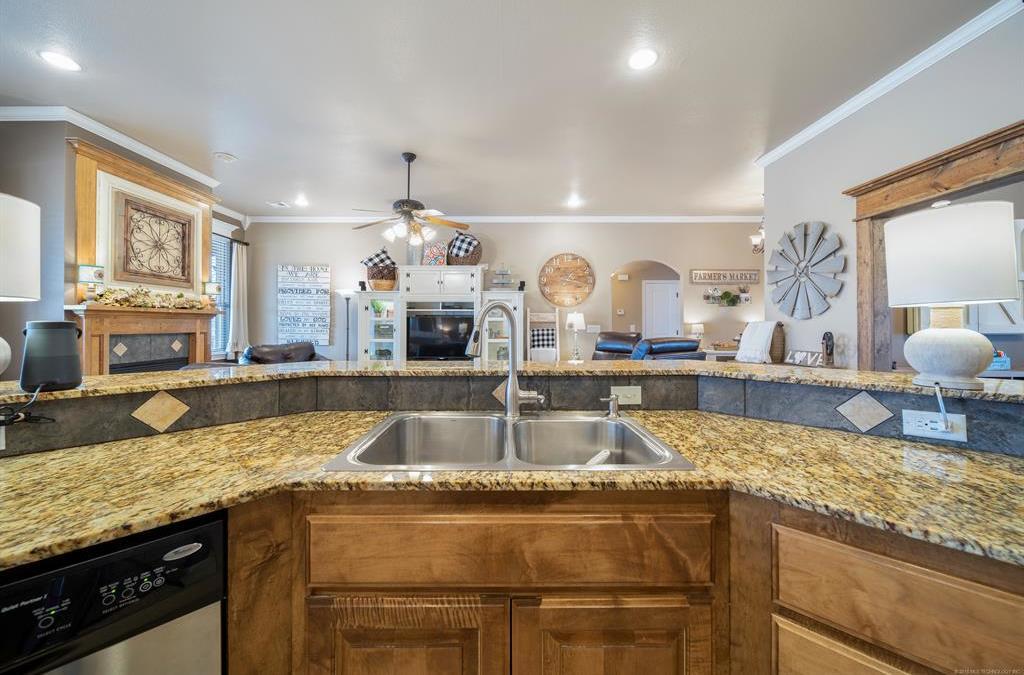 Homes for sale in Verdigris | 25567 Blackberry Boulevard Claremore, Oklahoma 74019 7