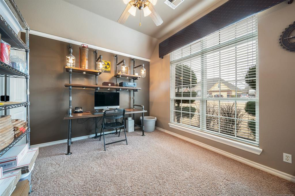 Homes for sale in Verdigris | 25567 Blackberry Boulevard Claremore, Oklahoma 74019 11