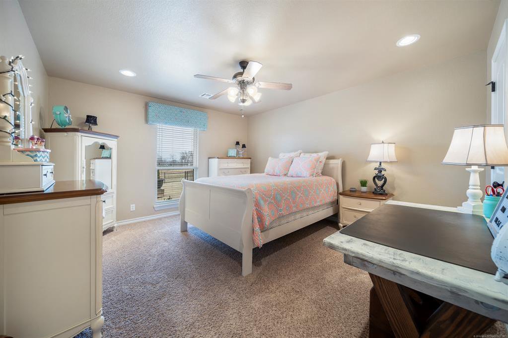 Homes for sale in Verdigris | 25567 Blackberry Boulevard Claremore, Oklahoma 74019 13