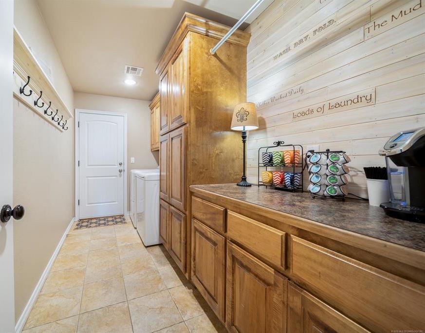 Homes for sale in Verdigris | 25567 Blackberry Boulevard Claremore, Oklahoma 74019 14