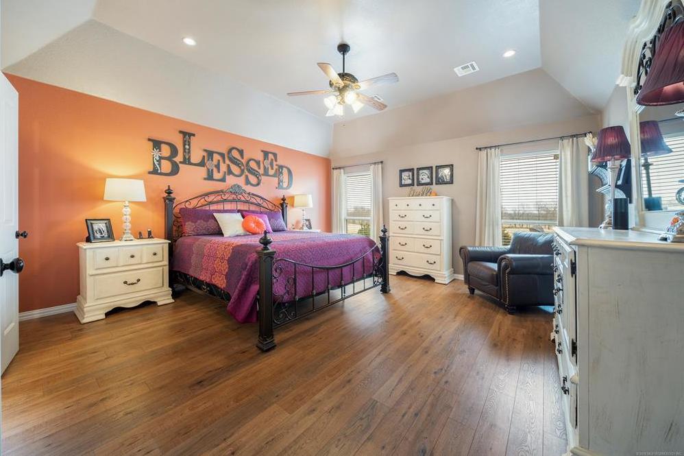 Homes for sale in Verdigris | 25567 Blackberry Boulevard Claremore, Oklahoma 74019 15