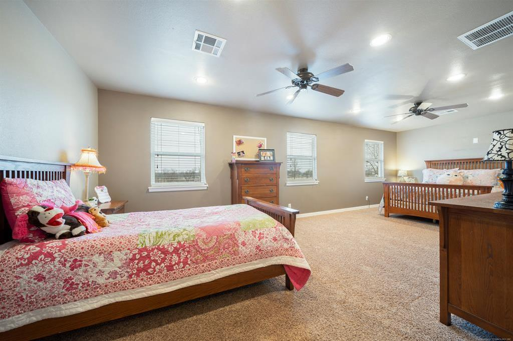 Homes for sale in Verdigris | 25567 Blackberry Boulevard Claremore, Oklahoma 74019 19