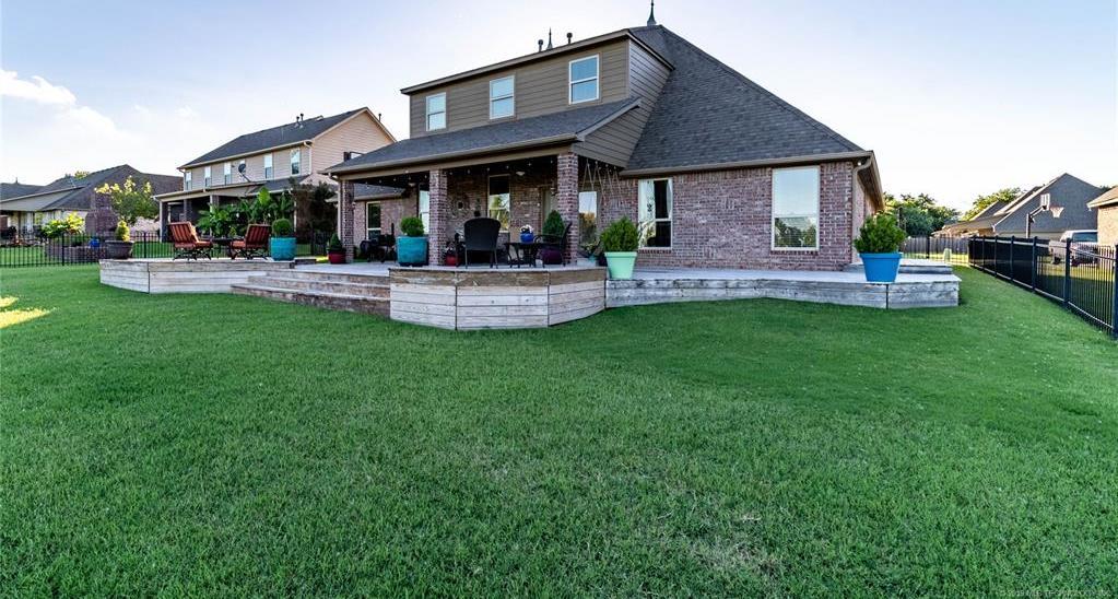 Homes for sale in Verdigris | 25567 Blackberry Boulevard Claremore, Oklahoma 74019 25