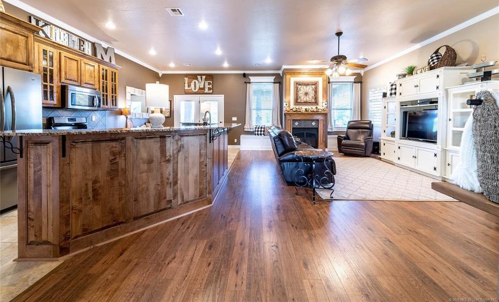 Homes for sale in Verdigris | 25567 Blackberry Boulevard Claremore, Oklahoma 74019 4
