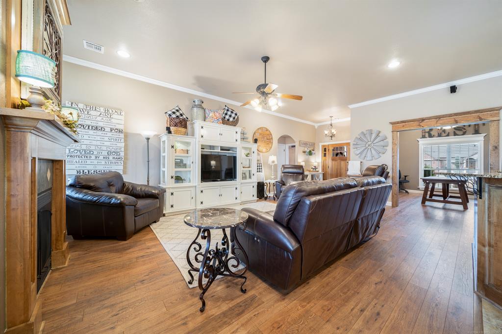 Homes for sale in Verdigris | 25567 Blackberry Boulevard Claremore, Oklahoma 74019 5