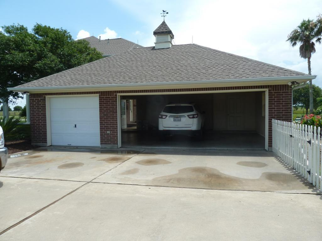 Off Market | 2976 County Road 218  Bay City, TX 77414 4