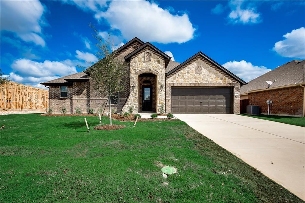 Pending   433 Belmont Drive Midlothian, TX 76065 1