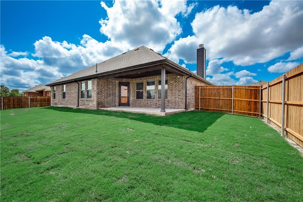 Pending   433 Belmont Drive Midlothian, TX 76065 17